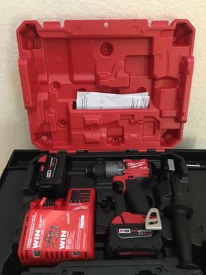 MILWAUKEE M18 FUEL BRUSHLESS HAMMER DRILL KIT (2) BATTERIES/ CHARGER for Sale in Spring, TX