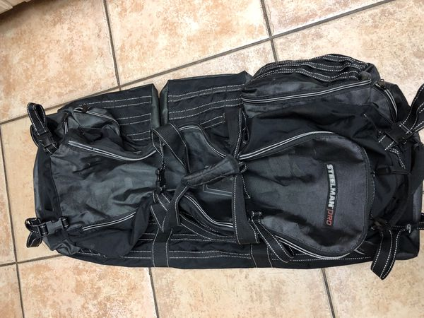 Nice and like new condition duffle luggage
