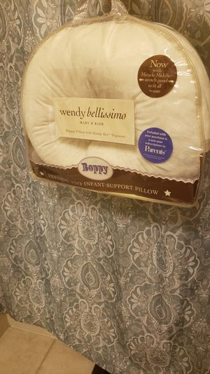 Wendy Bellissimo nursing pillow with two covers for Sale in Rockville, MD