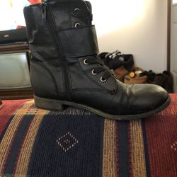 Rampage Boots For Girls Size 7.5 In Black Size 6 In Brown 10 Dollars A Piece for Sale in Lily,  KY