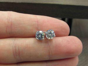 Sterling Silver Plain Cubic Zirconia Diamond Stud Earrings Vintage Wedding Engagement Anniversary Beautiful Everyday Minimalist Cute Cool for Sale in Lynnwood, WA