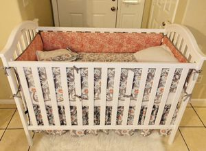 CRIB WITH MATTER CONVERTS TO DAY BED for Sale in Riverside, CA