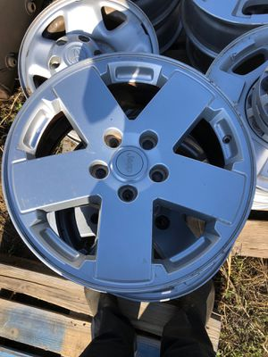 Jeep wheels for Sale in Bakersfield, CA
