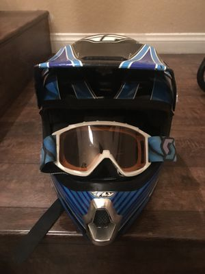 (XS 53-54 cm ) Dirt bike Helmet and goggles for Sale in North Las Vegas, NV