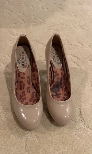 Unlisted nude size 8 heels for Sale in Waleska, GA