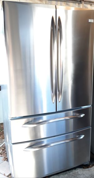 GE STAINLESS STEEL FRENCH DOORS DOUBLE DRAWER REFRIGERATOR for Sale in Alta Loma, CA