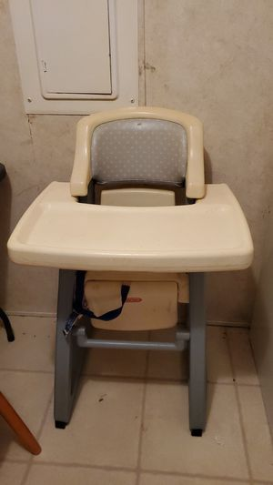 high chair for Sale in Seneca, SC