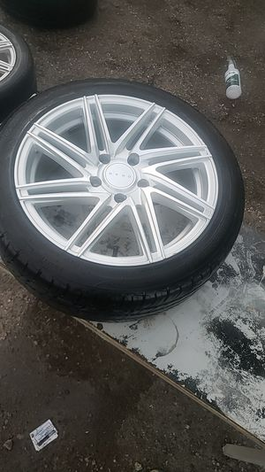 2005 BMW 335 rims and tires 225/45ZR17 for Sale in DeSoto, TX