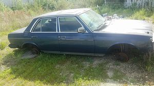 Parting out 84 Mercedes 300D diesel for Sale in Houston, TX