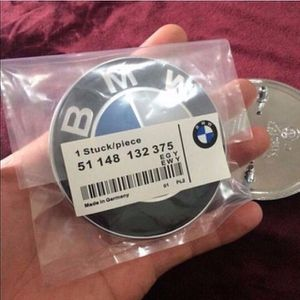 bmw 82mm hood emblem replacement 2 pin for Sale in Mount Sinai, NY