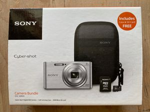 Sony Cyber-Shot DSC-W830 Digital Camera Bundle. Value Kit with Accessories for Sale in Palmdale, CA
