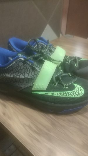 Nike shoes. (Youth). Size 6.5 for Sale in Wichita, KS