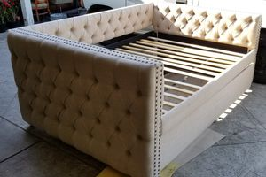 Scribner Button Tufted Full Daybed with Trundle for Sale in Riverside, CA