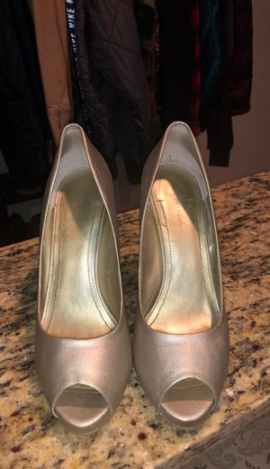 BCBG generation heels pumps size 9 for Sale in Tacoma, WA