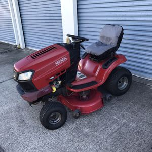CRAFTSMAN T2200 TRACTOR 42 INCH RIDING LAWN MOWER for Sale in Clermont, FL
