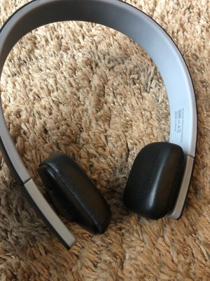 bluetooth wireless headphones for Sale in Plainfield, IL