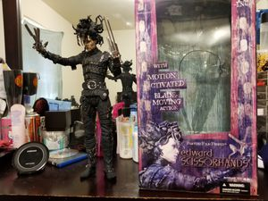 18 inch movie maniacs Edward scissorhands for Sale in Sanger, CA