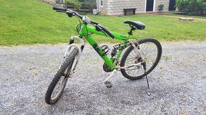 Genesis v200 mountain bike for Sale in Walkersville, MD