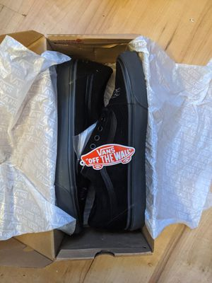 Brand New Authentic Vans X Mr Cartoon Old School 36 DX size 11.5 for Sale in New York, NY