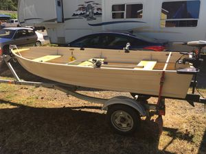 12 foot aluminum boat and easy loader trailer for Sale in Gold Bar, WA