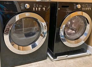 Matching stackable washer and dryer set- gas for Sale in Brentwood, CA