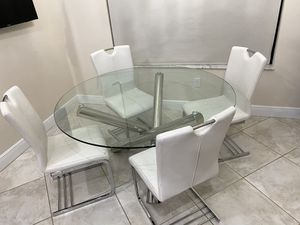 Glass Circle Kitchen Table with 4 Leather Chairs for Sale in Southwest Ranches, FL