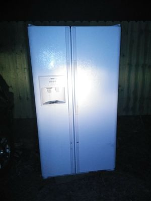 Whirlpool refrigerator for Sale in Lexington, KY
