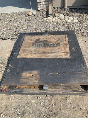 2 Free metal reinforced pallets for Sale in Orondo, WA