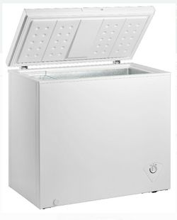 (**NEW in box*) New ....CHEST FREEZER for Sale in Buena Park,  CA