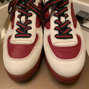 Gucci Sneakers, men's Size 8, negotiable, comes with box for Sale in Nellis Air Force Base, NV