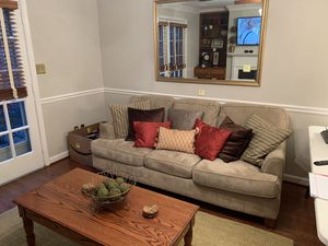 Couch and coffee table for Sale in Alexandria, VA