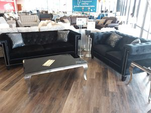 MODERN SOFA AND LOVESEAT WITH NAILHEAD TRIM for Sale in Arlington, TX