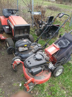 Lawn and snow equipment repariable or parts for Sale in Detroit, MI