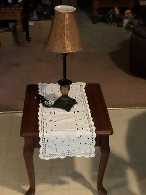 End Table and lamp for Sale in Dallas, TX