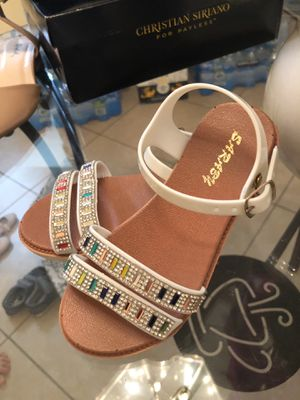 Toddler girl sandals for Sale in Gilbert, AZ