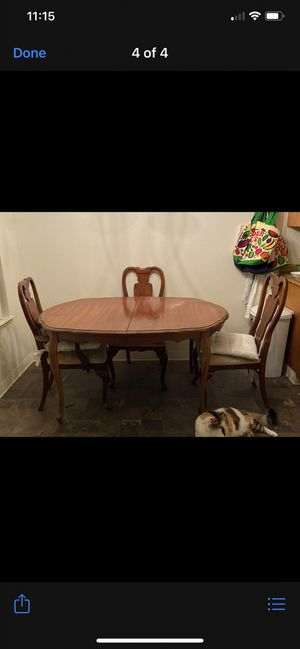 Kitchen table with four chair for Sale in Stockton, CA