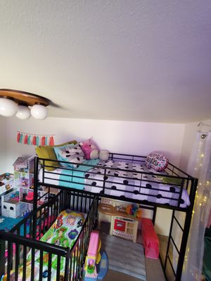 TWIN! BLACK METAL LOFT BED for Sale in Sunriver, OR