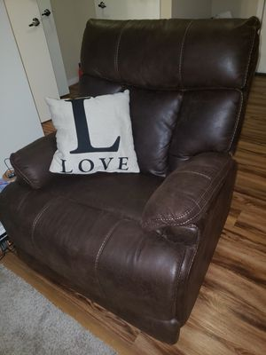 Reclining Chair for Sale in Adelphi, MD