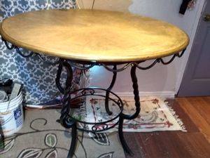 Unique Mesa de madera y metal por $35 for Sale in Palmdale, CA