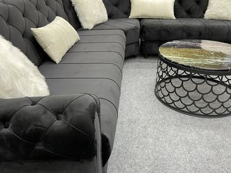 Black Velvet Sectional - Delivery Available 🚚 for Sale in Dallas,  TX