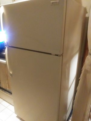 Use Whirlpool refrigerator 2-door clean runs well mark 2 p m for Sale in Oakland Park, FL
