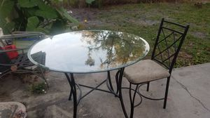 Kitchen table for Sale in Bartow, FL