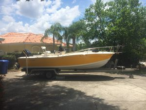 1988 Chris Craft 21 foot center console boat hull with Mercury controls for Sale in Lutz, FL
