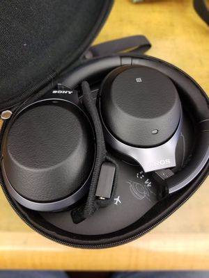 New Sony wh-1000xm2 noise cancelling headphones. for Sale in Oak Hill, VA