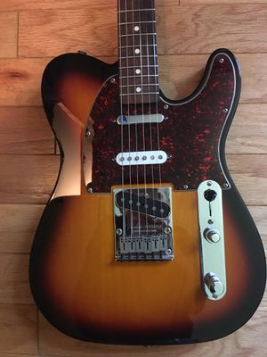 Fender Telecaster Mexican made Deluxe Series for Sale in Chicago, IL