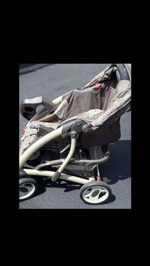 Graco deluxe stroller. Very well taken care of. 30. for Sale in San Bernardino, CA