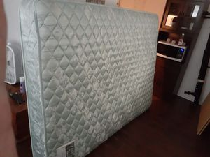 FREE Queen Mattress and Topper for Sale in Fort Lauderdale, FL