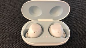 Galaxy buds wireless white for Sale in Houston, TX