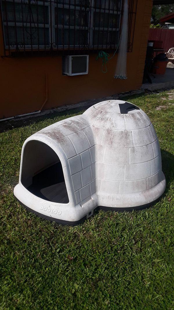Indigo igloo large dog house $30