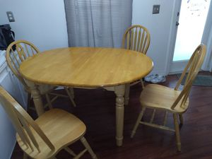 Dining Table obo for Sale in Gibsonton, FL